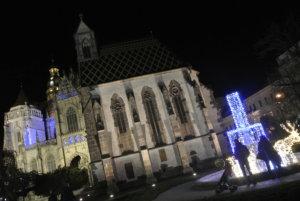 Košice-Vianoce- Dóm sv. Alžbety-fontána