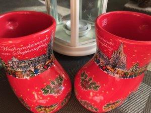 Vianoce-trhy-Viedeň-tradičné hrnčeky