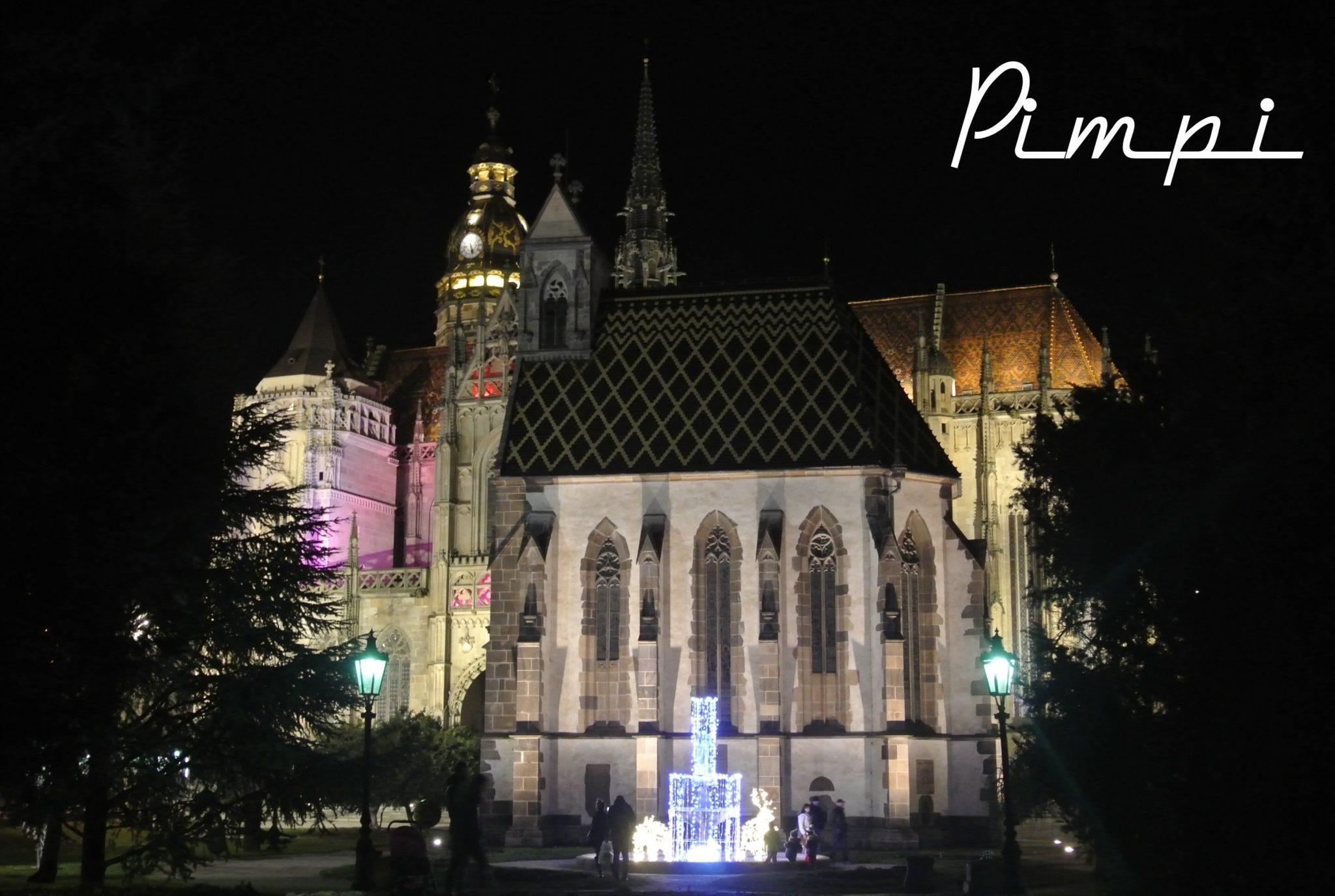 Košice-Vianoce-Dóm svätej Alžbety-fontána