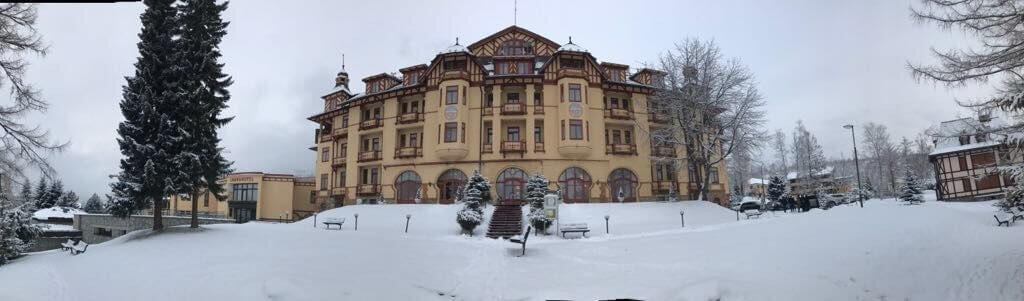 pimpi-bábo-cestovanie-grand hotel-tatry-starý smokovec
