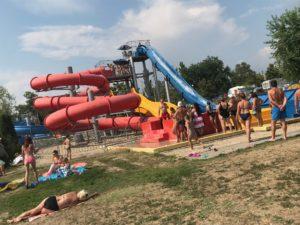 pimpi-bábo-bábätko-cestovanie-sarospatak-maďarsko-kúpalisko-detský bazén-teplá voda-jedlo-hry-ihrisko-kam s deťmi-cestovateľský blog-rady a tipy