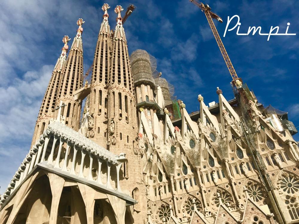 pimpi-bábo do sveta-bábútko-cestovanie-cestuj s deťmi-služobná cesta-výčitky svedomia-sagrada familia-pamiatky-španielsko